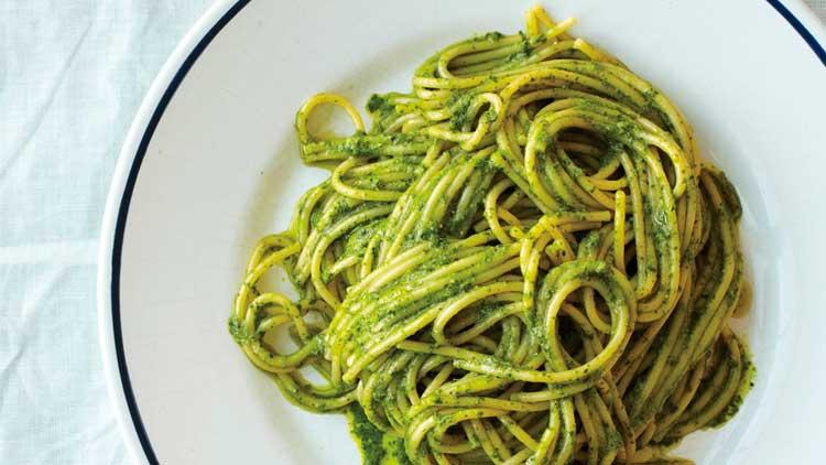 Receta de espaguetis con pesto