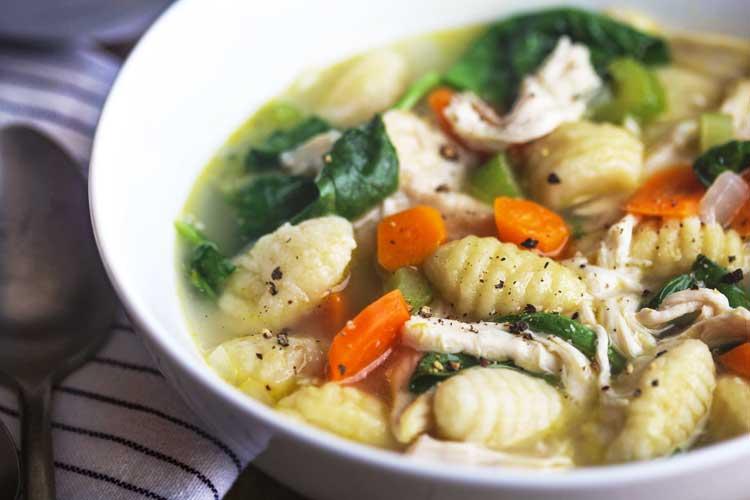 receta de sopa de pollo y ñoquis