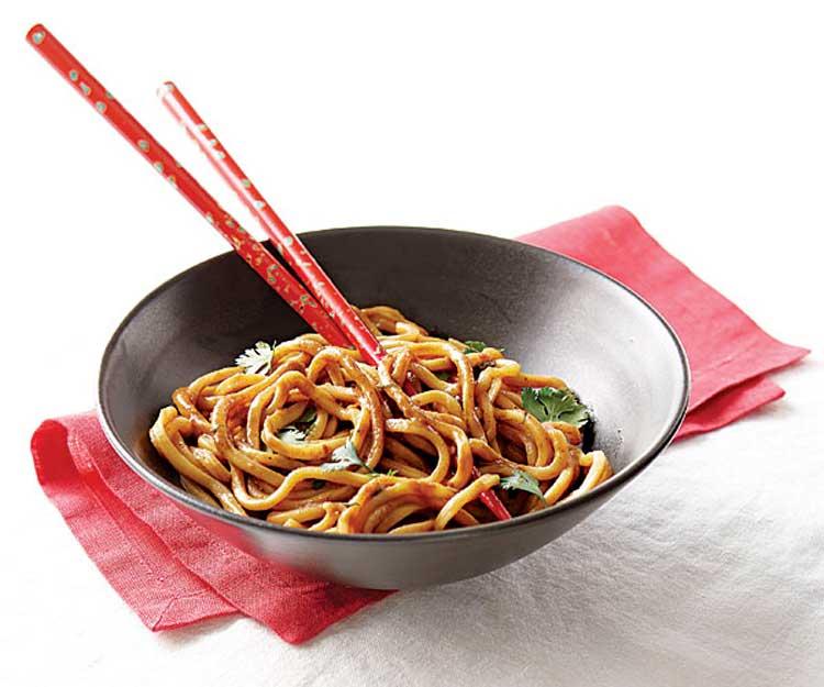 Fideos chinos con sésamo